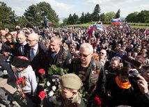 Čo robia Putinovi motorkári na Slovensku? SaS sa chce Sakovej pýtať na Nočných vlkov