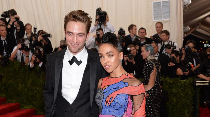 Robert Pattinson a jeho priateľka FKA Twigs...