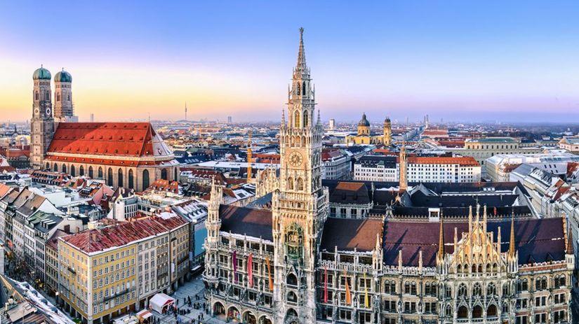 Mníchov, Bavorsko, Nemecko, radnica, Frauenkirche