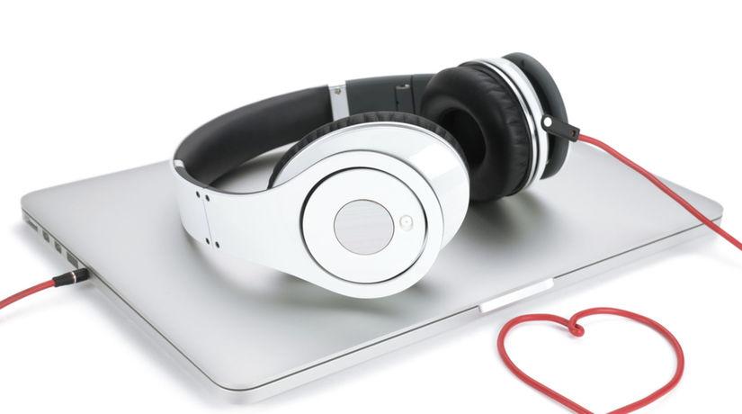 hudba, počúvanie, spotify, apple, beats,...