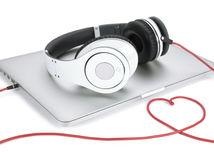 música, escuchando, spotify, apple, beats, auriculares, relax,