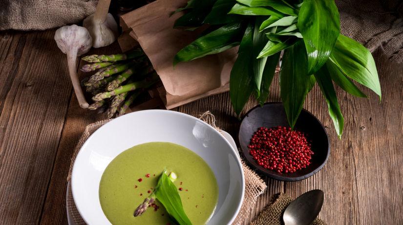 polievka z medvedieho cesnaku, jarná zelenina