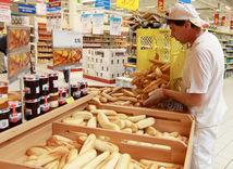 Vzbura pekárov voči reťazcom.  Hrozia, že na Vianoce nenapečú