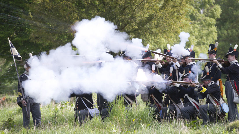 Waterloo, vojaci, výstrel