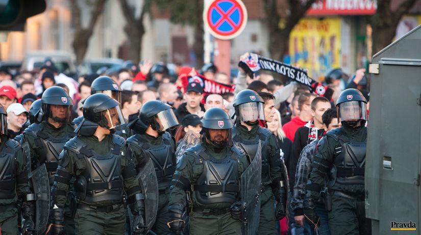 Futbal Slovan Trnava, fanusik, policia
