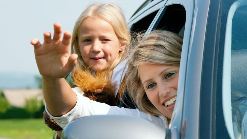 cesta autom, auto, rodina, šofér, dieťa, matka,...