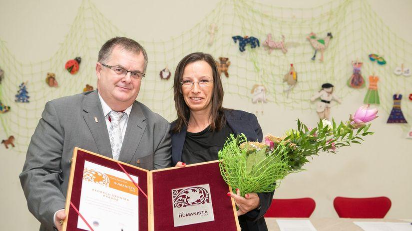 Roman Hradecký, Nora Slišková, Humanista roka 2015