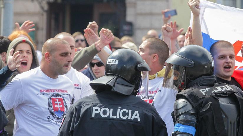 Bratislava, demonštrácia, extrémisti
