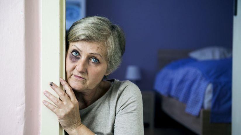 senior, dôchodca, týranie, bitka, fyzické násilie