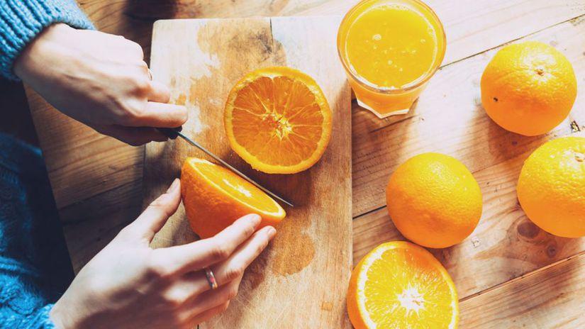 citrusy, pomaranče, krájanie pomarančov