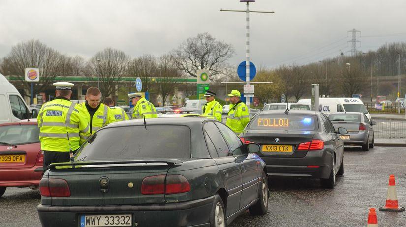 obchod s ľuďmi, policajti, poľské auto, zločinci