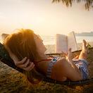 Dovolenka, kniha, čítanie, leto, cestovanie, exotika, more, oddych, relax, slnko, hojdacia sieť, leto, teplo
