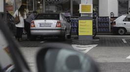 Na benzínovej pumpe pri Prahe sa opitý muž polial horľavinou 2a1c37a2f78