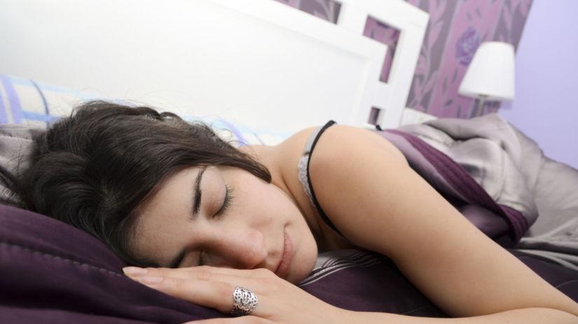 spálňa, spánok, spiaca žena, feng šuej