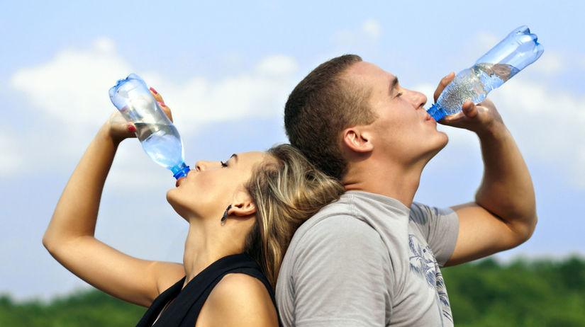 tekutiny, voda, piť