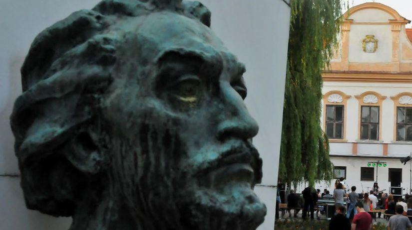 Socha, pamätník, janko kráľ, Zlaté Moravce