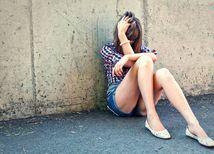 znásilnenie. násilie, týraná žena,