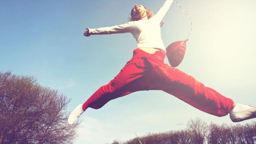 šťastie - pocit - nadšenie, skákanie, príroda, jar