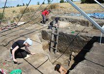 archeológovia, archeologický prieskum, nálezisko