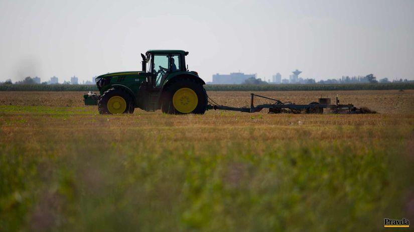 traktor, pôda