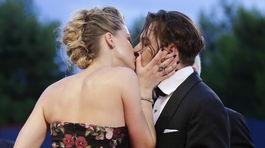 Johnny Depp sprevádzal manželku Amber Heard