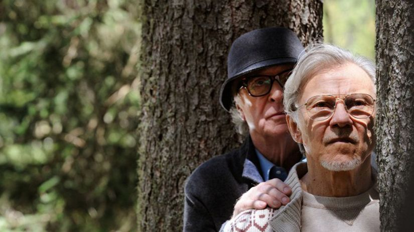 Fred (Michael Caine) a Mick (Harvey Keitel)...