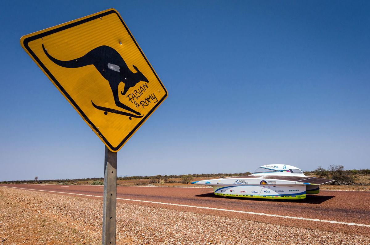 Austrália, kengura, solárnea autá, preteky