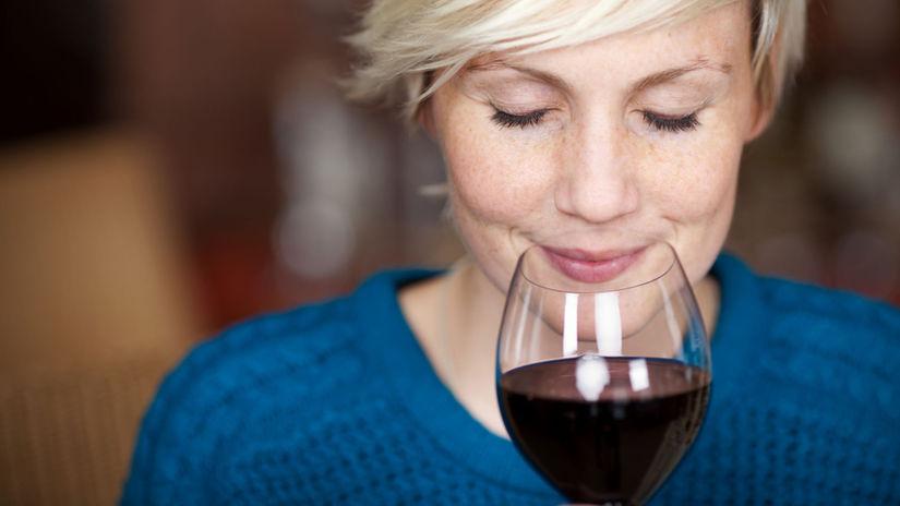 červené víno, alkohol, bolesť hlavy