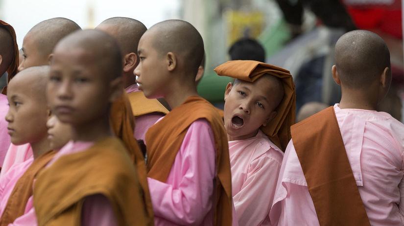Majnmarsko, mnísi, novici, budhisti, chlapci,