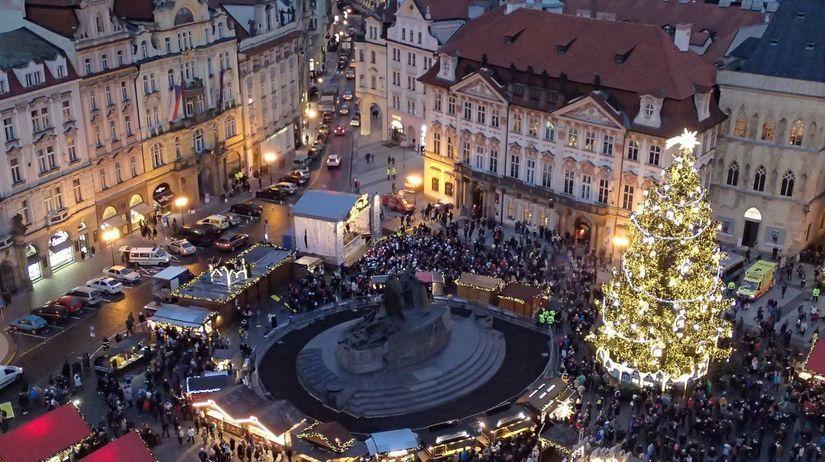 Praha, vianočné trhy, stánky, advent,