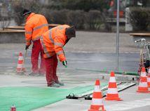 Štáty V4 nechcú byť lacné, Poliaci vidia minimálnu mzdu na 933 €