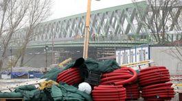 stary most, stavba, dokoncovanie, robotnik, praca