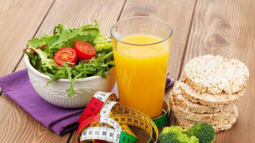 šalát, džús, brokolica, zdravá strava, jedlo,...