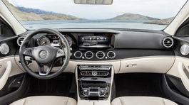 Mercedes-Benz E - 2016