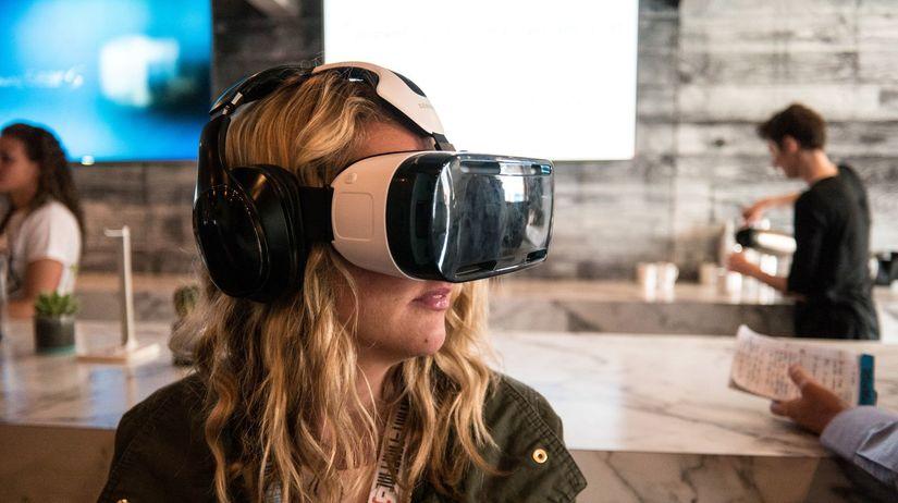 virtuálna realita, okuliare, žena 3D okuliare,...