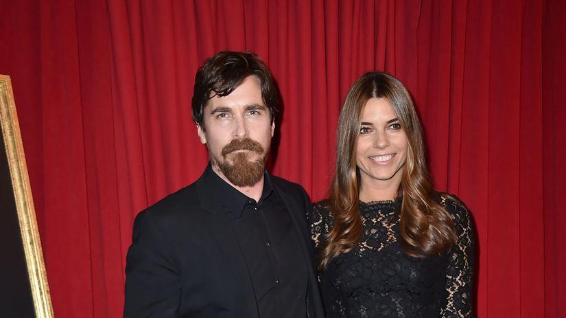 Herec Christian Bale a jeho manželka Sibi Blazic.