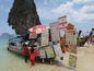 Thajskí obchodníci si zákazníkov nájdu na každom ostrove.