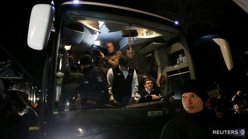 utečenci, Nemecko, autobus, Bavorsko
