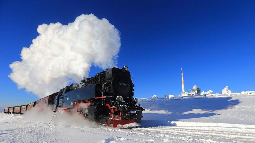 zima, vlak, lokomotíva, vagóny, vozne, sneh,...