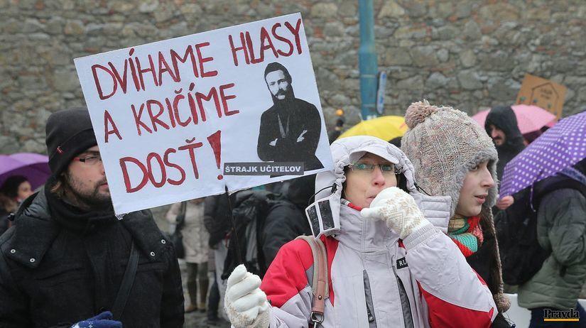 strajk ucitelov, protest ucitelov, demonstracia...