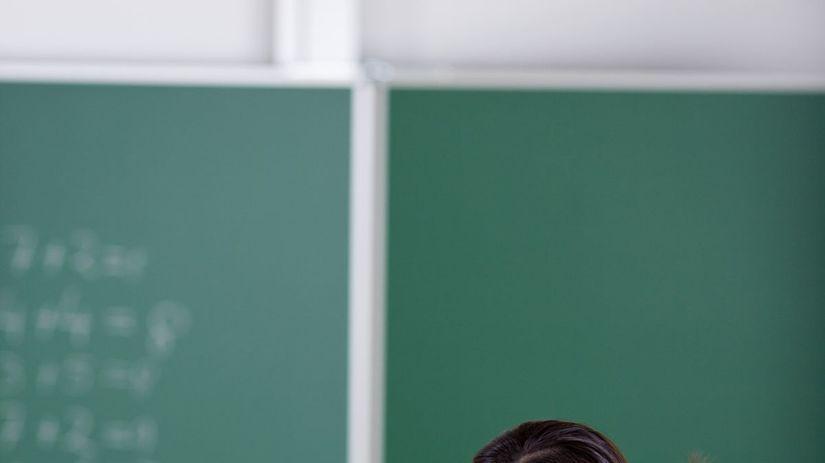 učiteľka, žiak, škola, tabuľa, vzdelávanie