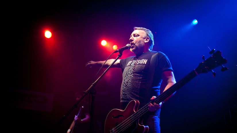 HUDBA: Peter Hook