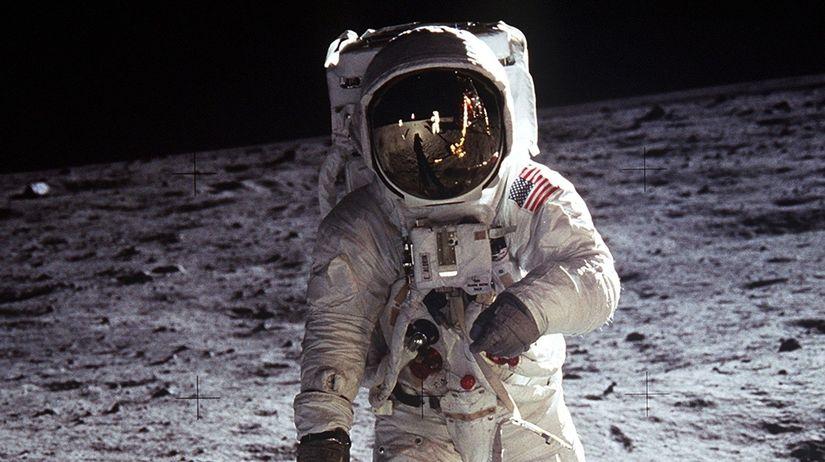 Neil Armstrong, Mesiac, 1969