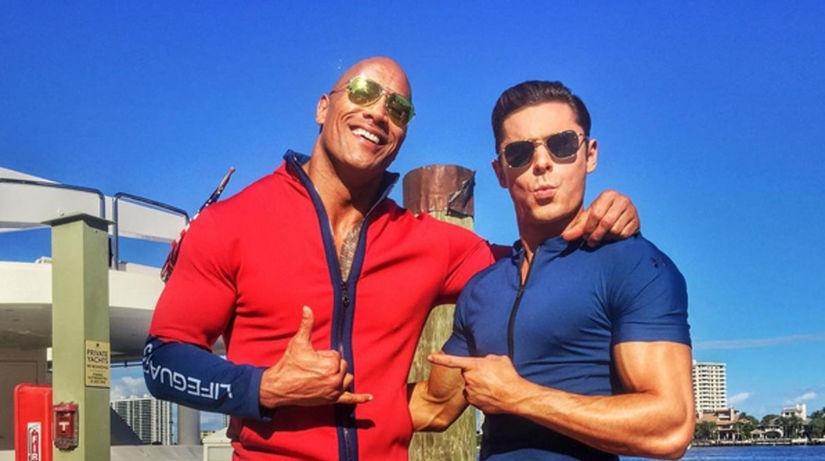 Dwayne Johnson (vľavo) a Zac Efron
