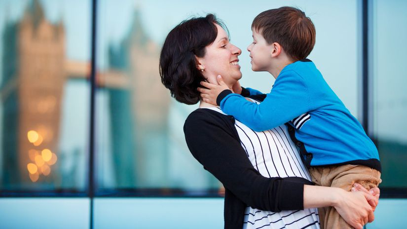 matka, dieťa, rodina, rodič, sociálne dávky,...