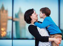 matka, dieťa, rodina, rodič, sociálne dávky, prídavky na dieťa, žena