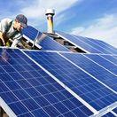 strecha, fotovoltické kolektory, slnečná energia, obnoviteľné zdroje, ekologické bývanie, ekodomy, pracovník, stavba