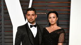 Herec Wilmer Valderrama a jeho partnerka Demi Lovato.