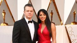 Nominovaný herec Matt Damon a jeho manželka Luciana Barroso.
