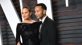 Tehotná Chrissy Teigen a jej manžel John Legend.
